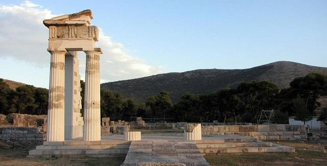 «Δεν μεταβιβάζονται στην ΕΤΑΔ ακίνητα που εμπίπτουν στις εξαιρέσεις του νόμου, ούτε αρχαιολογικοί χώροι και μνημεία»