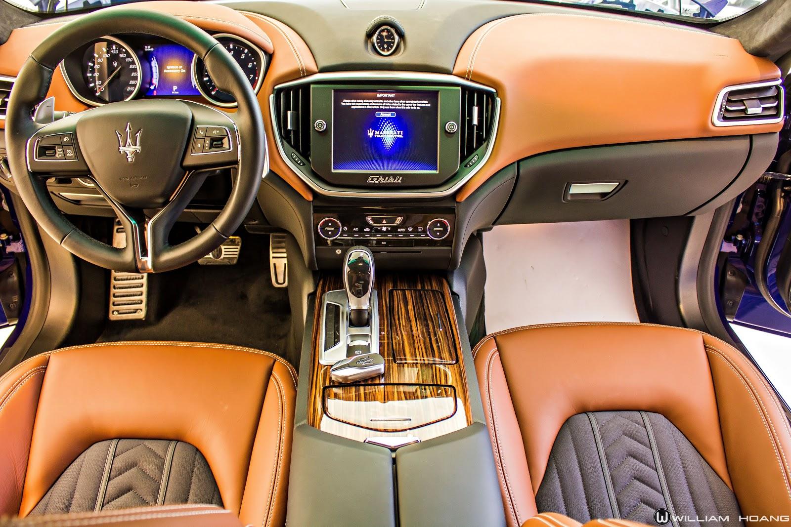 Nội thất của xe hoàn hảo, tinh tế, không có chi tiết rườm rà