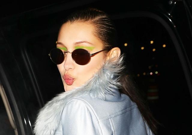 2017-02-12 ベラ・ハディッド(Bella Hadid)ニューヨークで開催中のファッションウィークの「プラバル・グルン/Prabal Gurung」ランウェイショーへ。