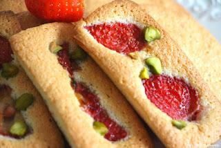 financiers fraises pistaches