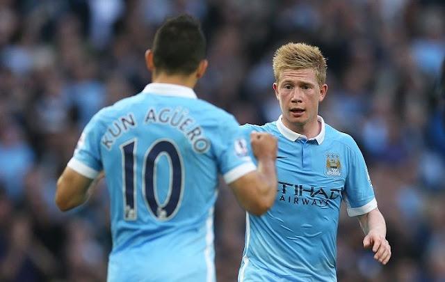 Sergio Aguero et Kevin De Bruyne lors d'un match de Manchester City