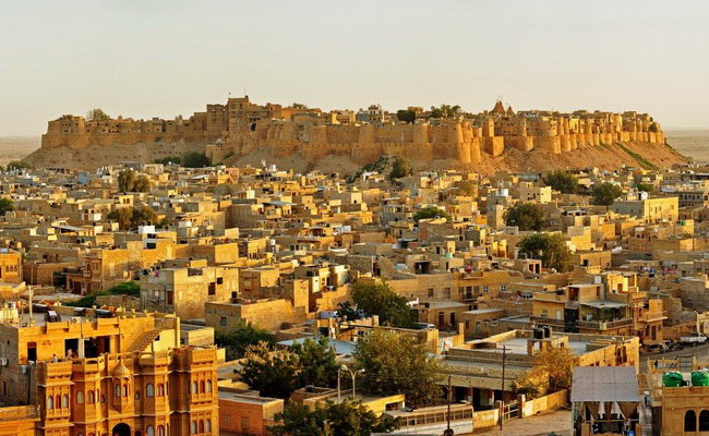 Xvlor.com Jaisalmer Fort is fortress city built by Rajput Rawal in Thar Desert