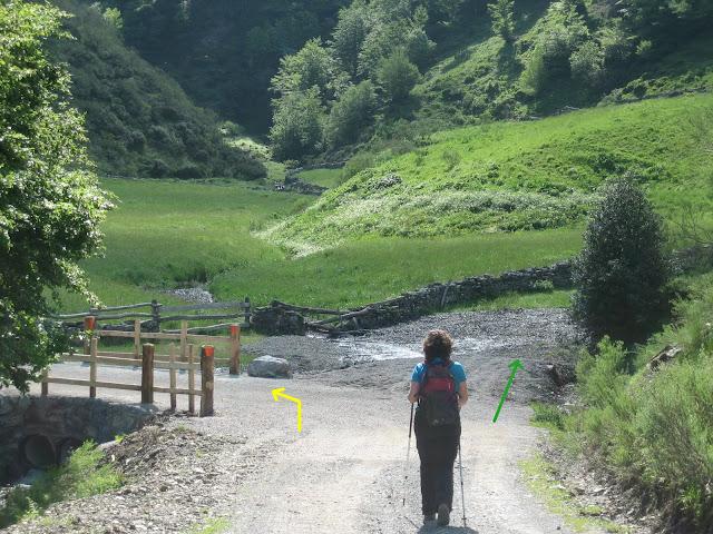 Rutas Montaña Asturias: Ruta al pico Faro y Huevo, desvío antes del puente