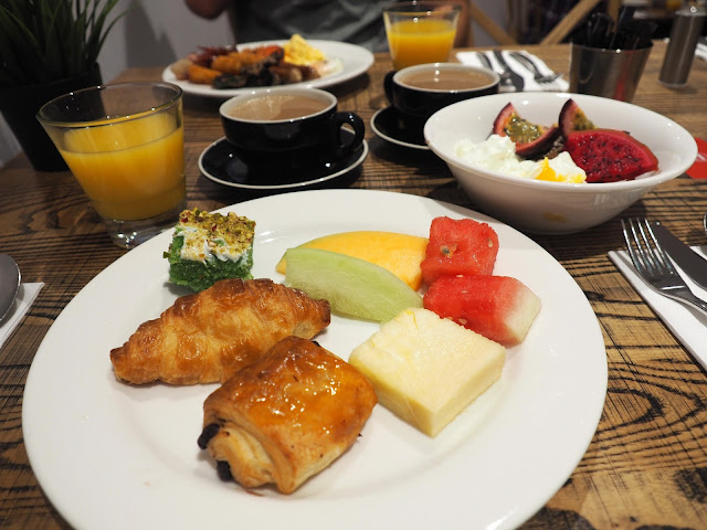 RISE Buffet Breakfast at Rydges Sydney Central