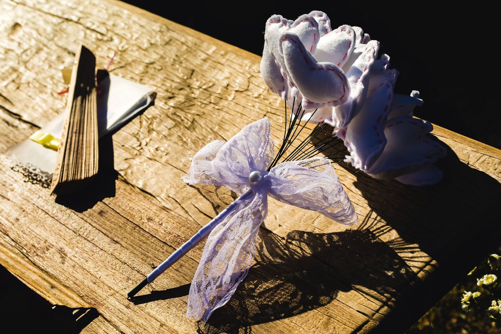 bouquet - bouquet coracao - bouquet tecido - leque - casamento de dia - casamento ao ar livre