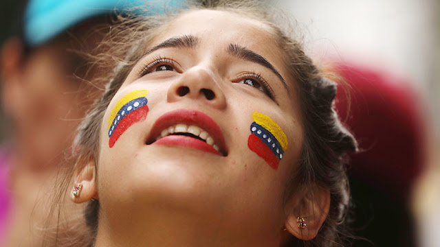 """EE.UU. insta a """"un nuevo Gobierno"""" en Venezuela y apoya a la opositora Asamblea Nacional"""