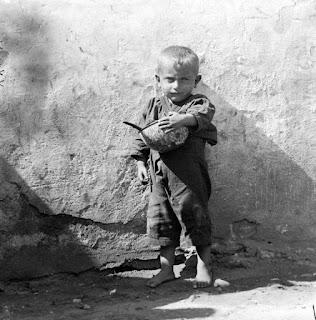 Προσφυγόπουλο ©Μουσείο Μπενάκη – Φωτογραφικό Αρχείο, Αρχείο Nelly's)