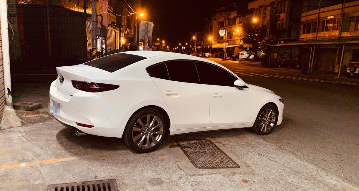 2020 四代 Mazda3