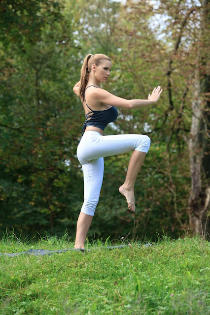 Jordan-Carver-Yoga-Hot-Sexy-HD-Photoshoot-Image-44