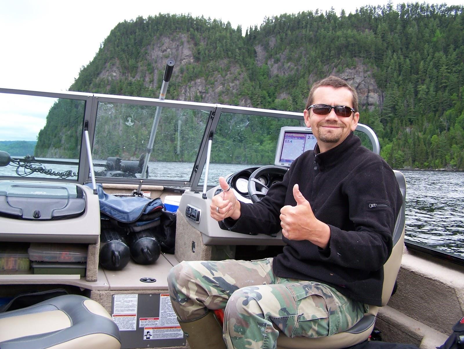 La pêche dhiver à novosibirske sur obi vidéo