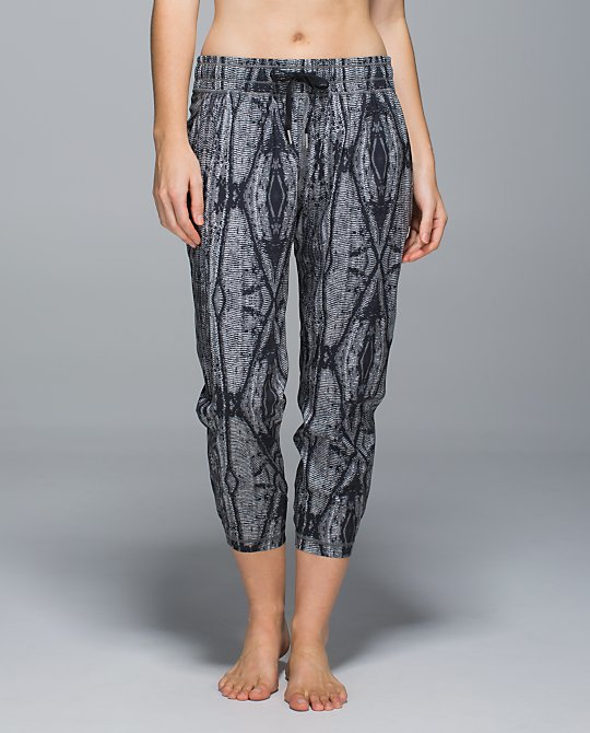 lululemon namaskar crop subtle serpent