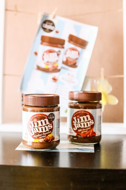 These delicious chocolate spreads by Jim Jams are guilt-free. One of my top ways to make January more sparkly over on my blog, Mandy Charlton Photography.