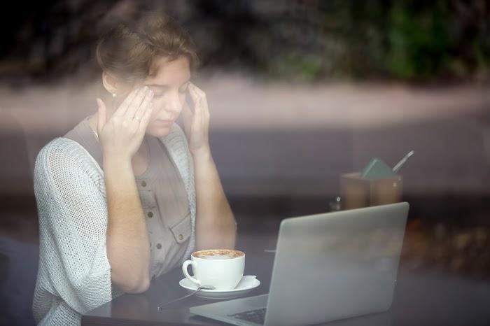 5 Tips Menjaga Kesehatan Mata Bagi Pengguna Komputer