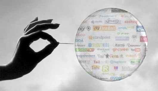 Perdidos en la Biblioteca de Babel: pinchando la burbuja