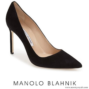 Meghan Markle wore Manolo Blahnik BB Pointy Toe Pump in Black Suede