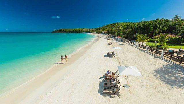 Plage de Barbuda aux Caraibes