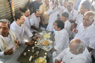 rahul-take-tea-pakoda-at-roadside-dhaba