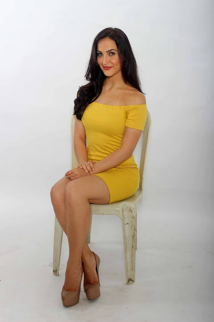 Elli Avram Looks Irresistibly Sexy In Her Latest Photoshoot