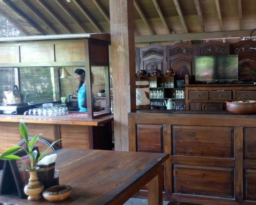 Tinuku Classic boutique hotel Bale Inap Tembi Rumah Budaya in Javanese architectural style