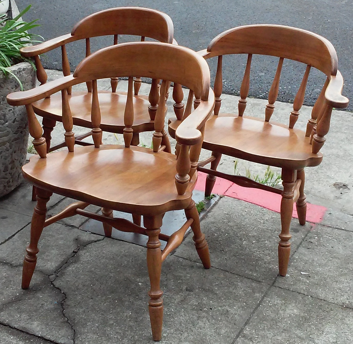 UHURU FURNITURE & COLLECTIBLES: SOLD - ** REDUCED ...