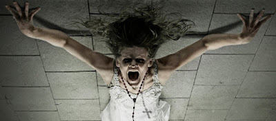 Κυριεύτηκε...από δαίμονα παίζοντας με τον «πίνακα των πνευμάτων» στο κινητό της