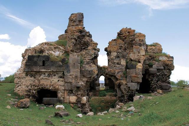 Monasterio armenio en Van a punto de desaparecer