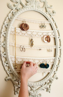 Try these 5 DIY Vintage Display Ideas by Nile Corp