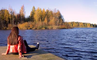 Nahkatakkinen tyttö Lappeenrannan lukioteatteri