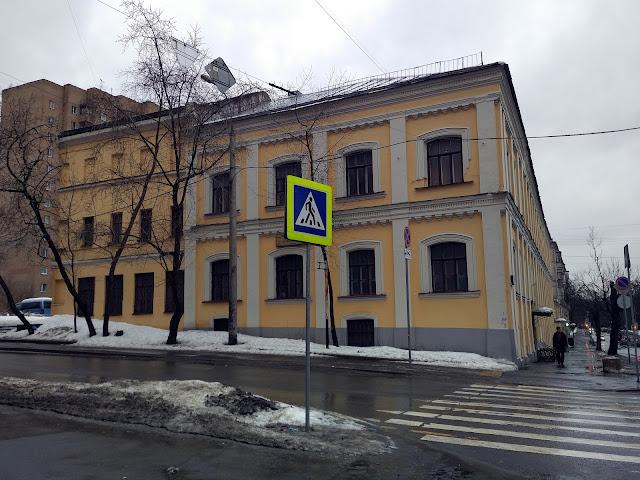 Здание бывшей Ермаковской богадельни