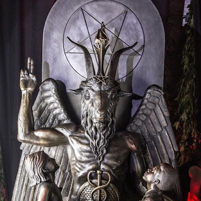 baphomet, estátua baphomet, igreja de satã, satanismo, ocultismo