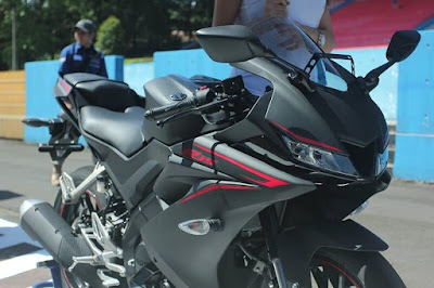 New 2017 Yamaha R15 V3.0 Black edition