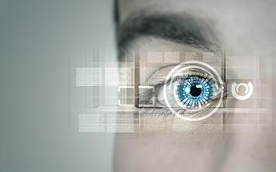 Animación de ojo robotico sobre ojo humano