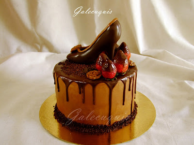 dripped cake de chocolate