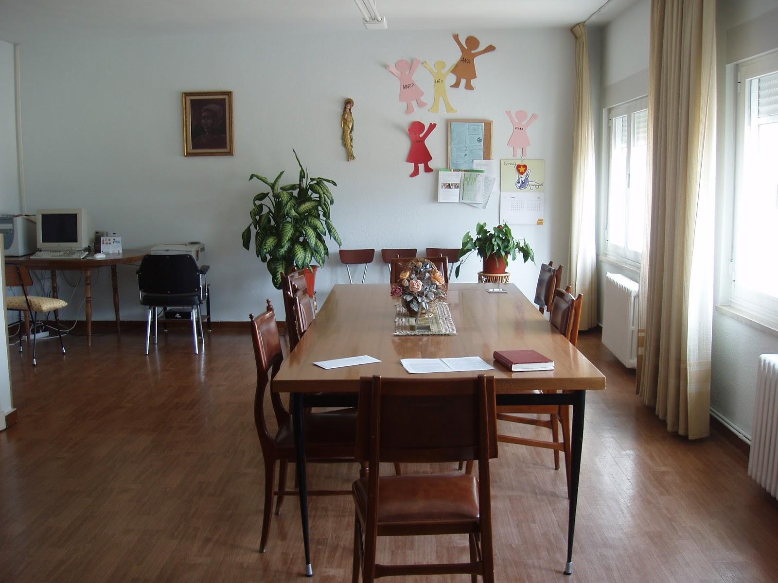 Centro infantil virgen de las candelas instalaciones for Sala de reuniones