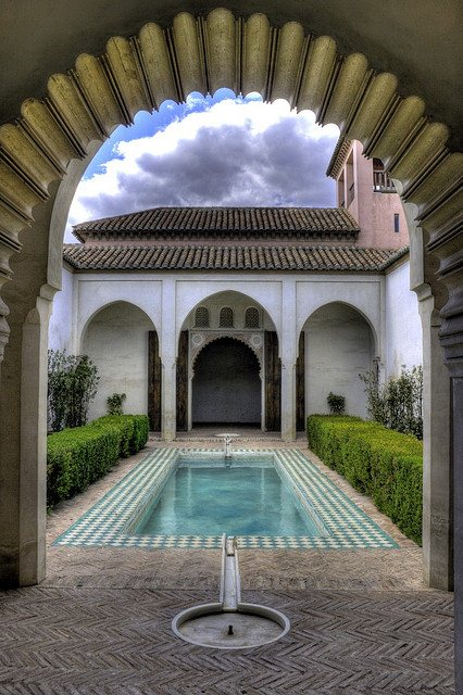 The exquisite patio garden of the 'Cuartos de Granada' or Granada Quarter at Alcazaba. Photo: Wojtek Gurak. Unauthorized use is prohibited.