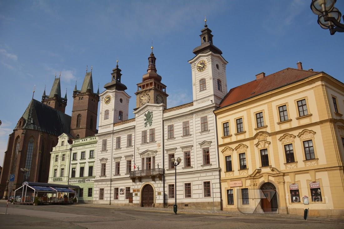 Hradec Králové - atrakcje turystyczne, informacje praktyczne, przewodnik po najważniejszych zabytkach - Velké náměstí (Duży Rynek)