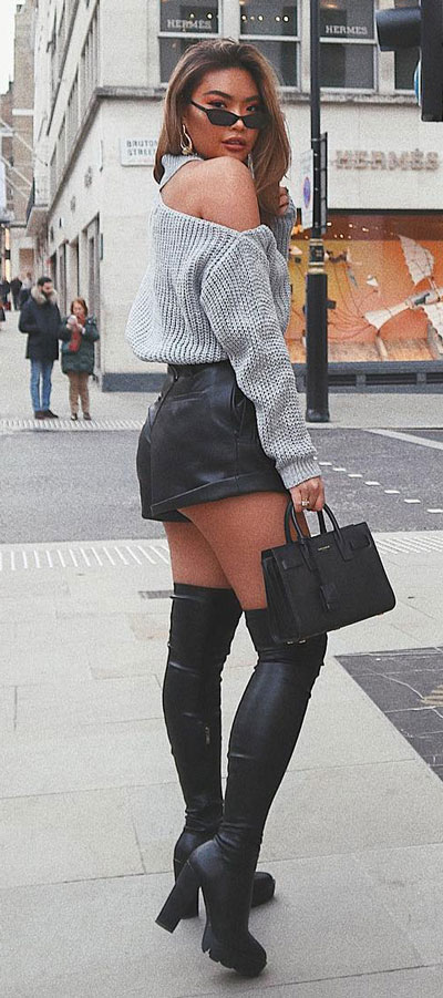 Chic and Cute Mini Skirt Outfits are back again. See these 27 Cutest Outfit Ideas with Mini Skirt. Cute Outfit Ideas via higiggle.com #chic #miniskirts #skirt #cute