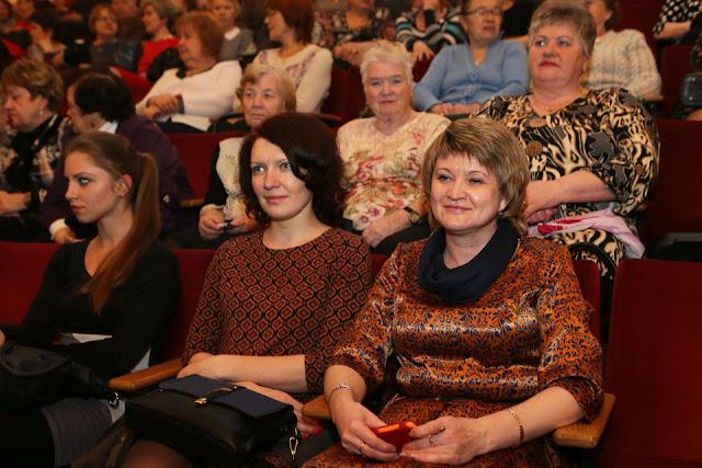 Сергей Пахомов пожелал женщинам счастья Сергиев Посад