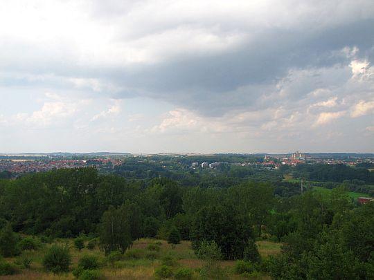 Panorama Prudnika z wieży na Koziej Górze.