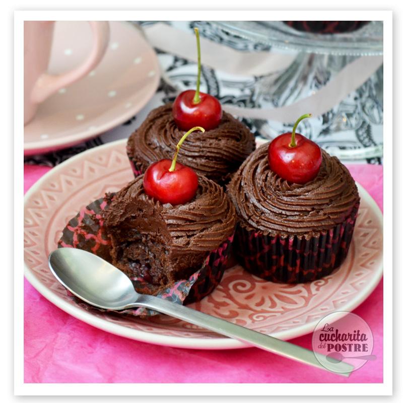 La cucharita del postre cupcakes de chocolate y cereza cherry and chocolate cupcakes - Decoracion con chocolate ...