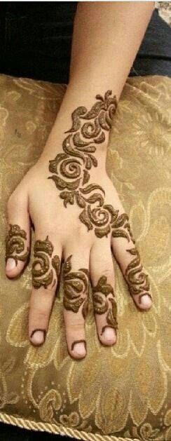 10 stunning rose mehndi designs for all occasions bling sparkle - 10 Stunning Rose Mehndi Designs For All Occasions Bling