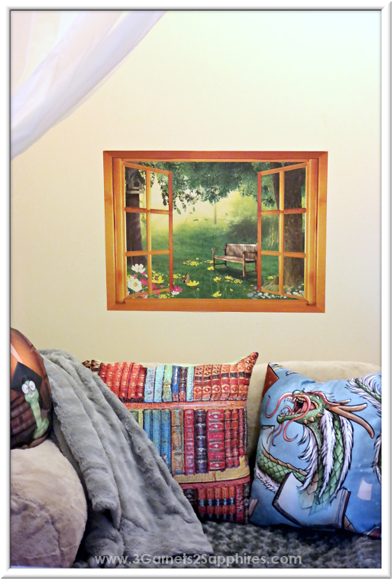 How to make a book nook for kids  |  www.3Garnets2Sapphires.com