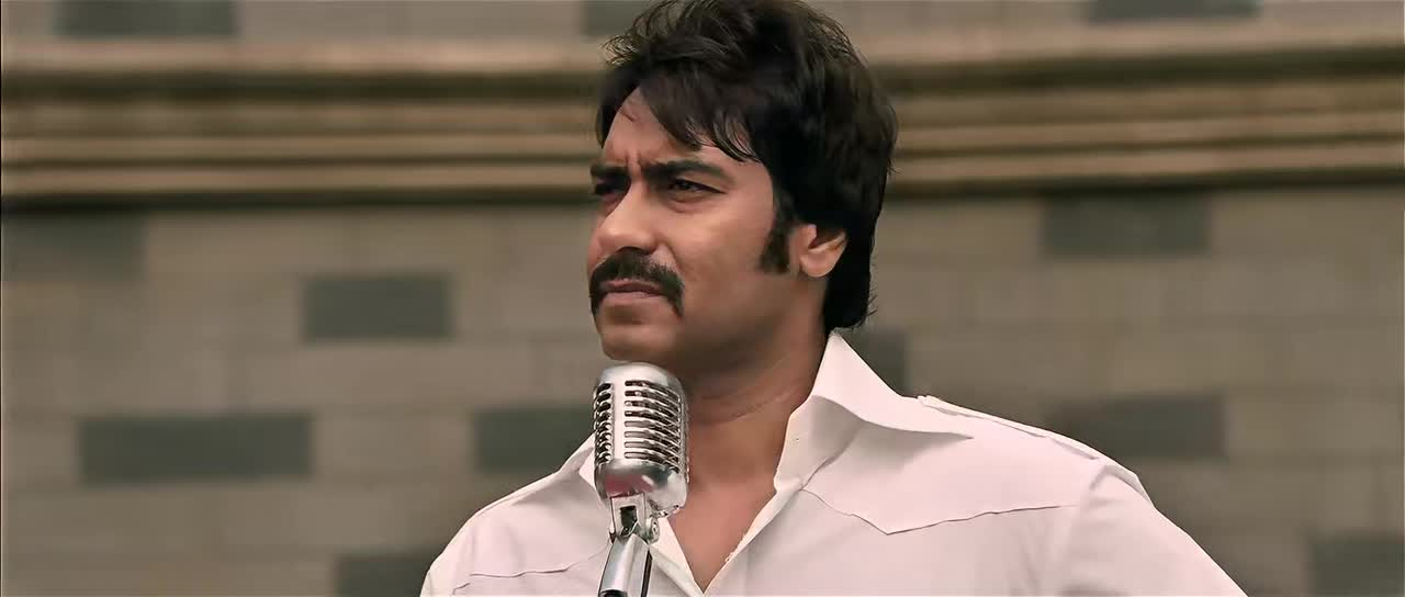 Screen Shot Of Once Upon A Time In Mumbaai 2010 Full Movie Free Download 300MB 720P HD HEVC Watch Online movies365.in