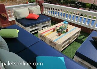 Chill out de europalets en color blanco y colchón  azul Paletsonline.com