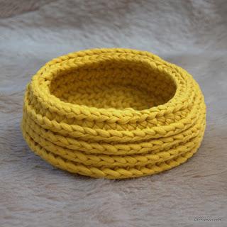 Arany színű cotton Jersey fonalból horgolt félpálcás tároló