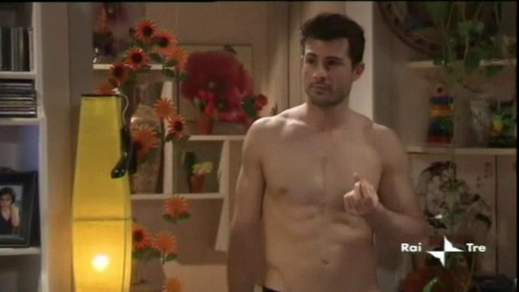 Shirtless Men On The Blog: Martín Karpan Shirtless