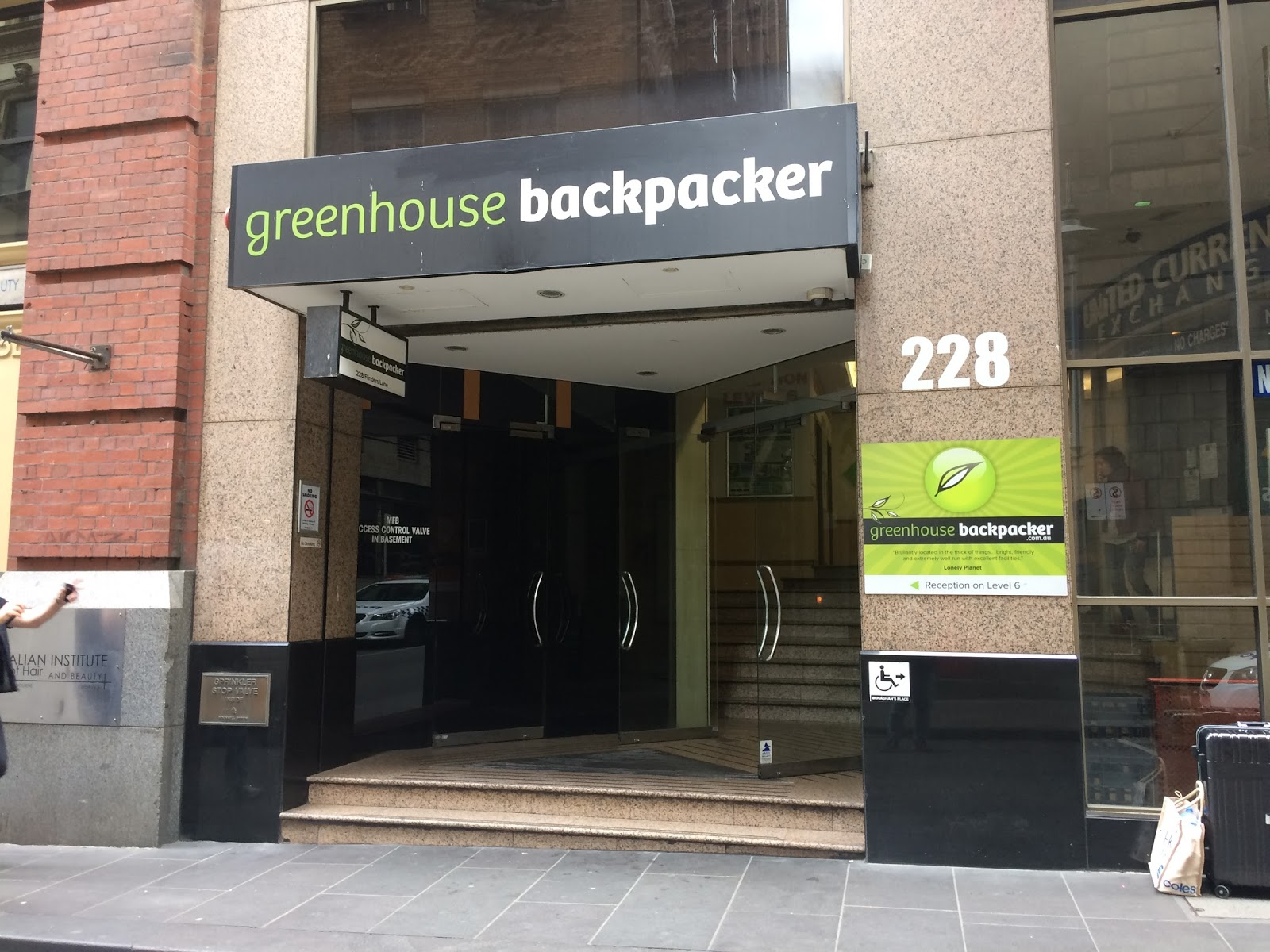 life in australia greenhouse backpackers. Black Bedroom Furniture Sets. Home Design Ideas