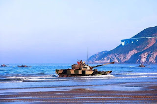 Korps Marinir Tiongkok Latihan Serangan Amfibi