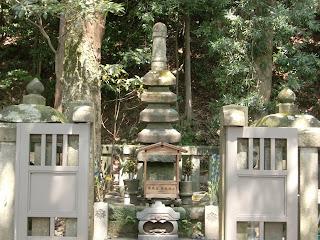 源頼朝墓(鎌倉市)