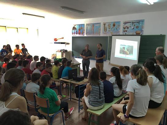 http://cazawonke.com/actualidad/c10-nacional/42023-mas-de-3-000-escolares-andaluces-participaron-en-la-campana-mi-perro-es-de-caza?ref=FexRss&aid=&tid=FEB2127B57FB4A04A6876BD5DE964E2C&c=1193754095880867895&mkt=es-es